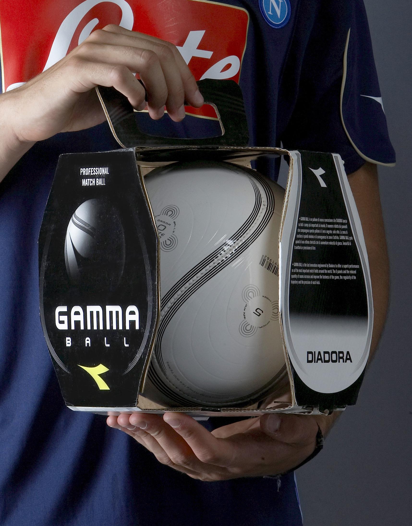 Packaging pallone Gamma e design di prodotto